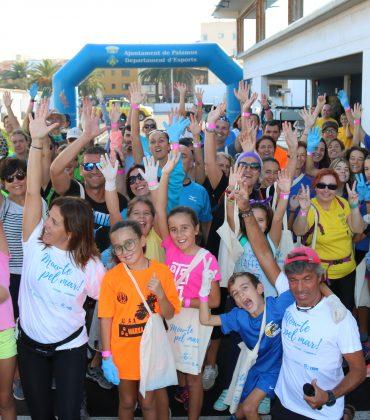 Emprenedors gironins impulsen una campanya per promoure sortides de plogging i eco-swimming a través de la xarxa social Twinapp